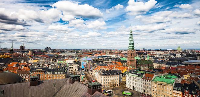 Wienerbrød, biciclette e mattoncini colorati: scopriamo la Danimarca insieme a Levi e Lykke