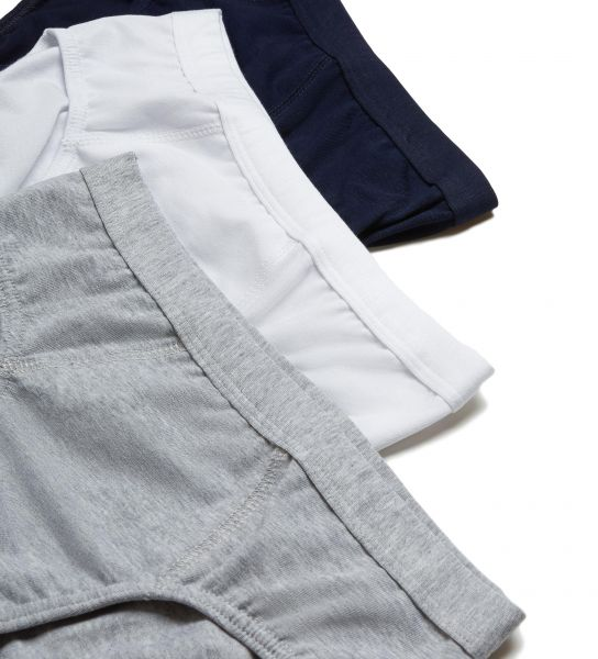 Snug-fitting underwear