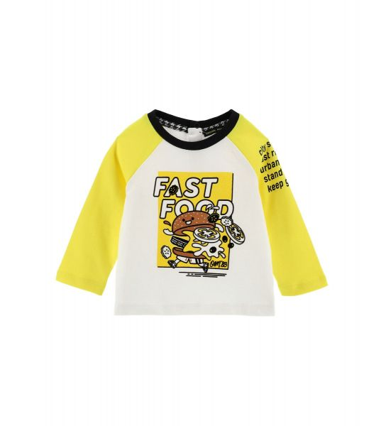 T-SHIRT WITH PRINT ON THE SLEEVES