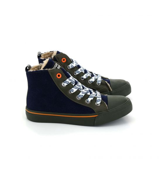 SHOE WITH PRINTED LACES